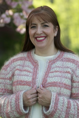 Knitting Instructor Cassandra Tonkin